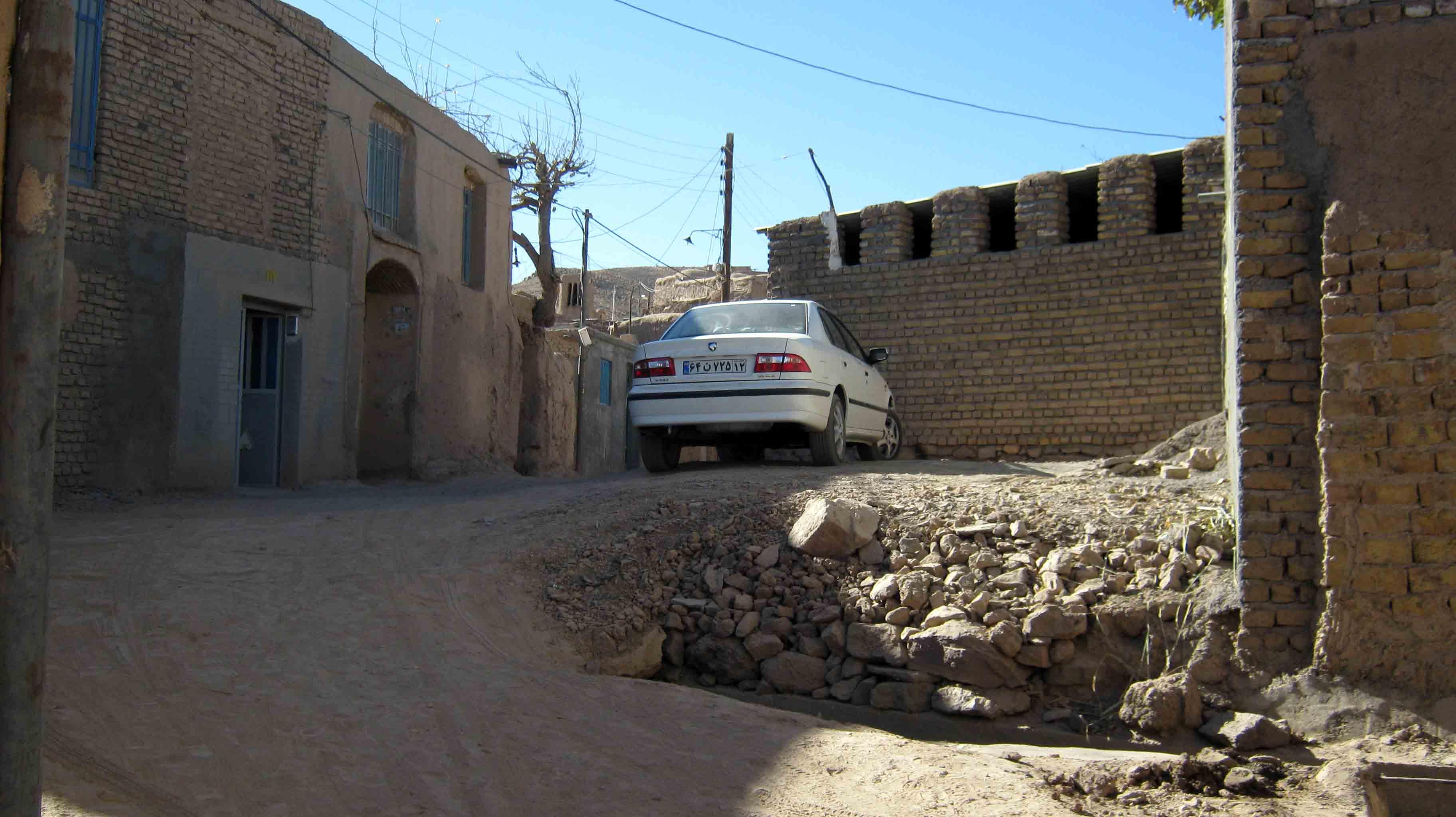 پارکینگ های داخل روستا