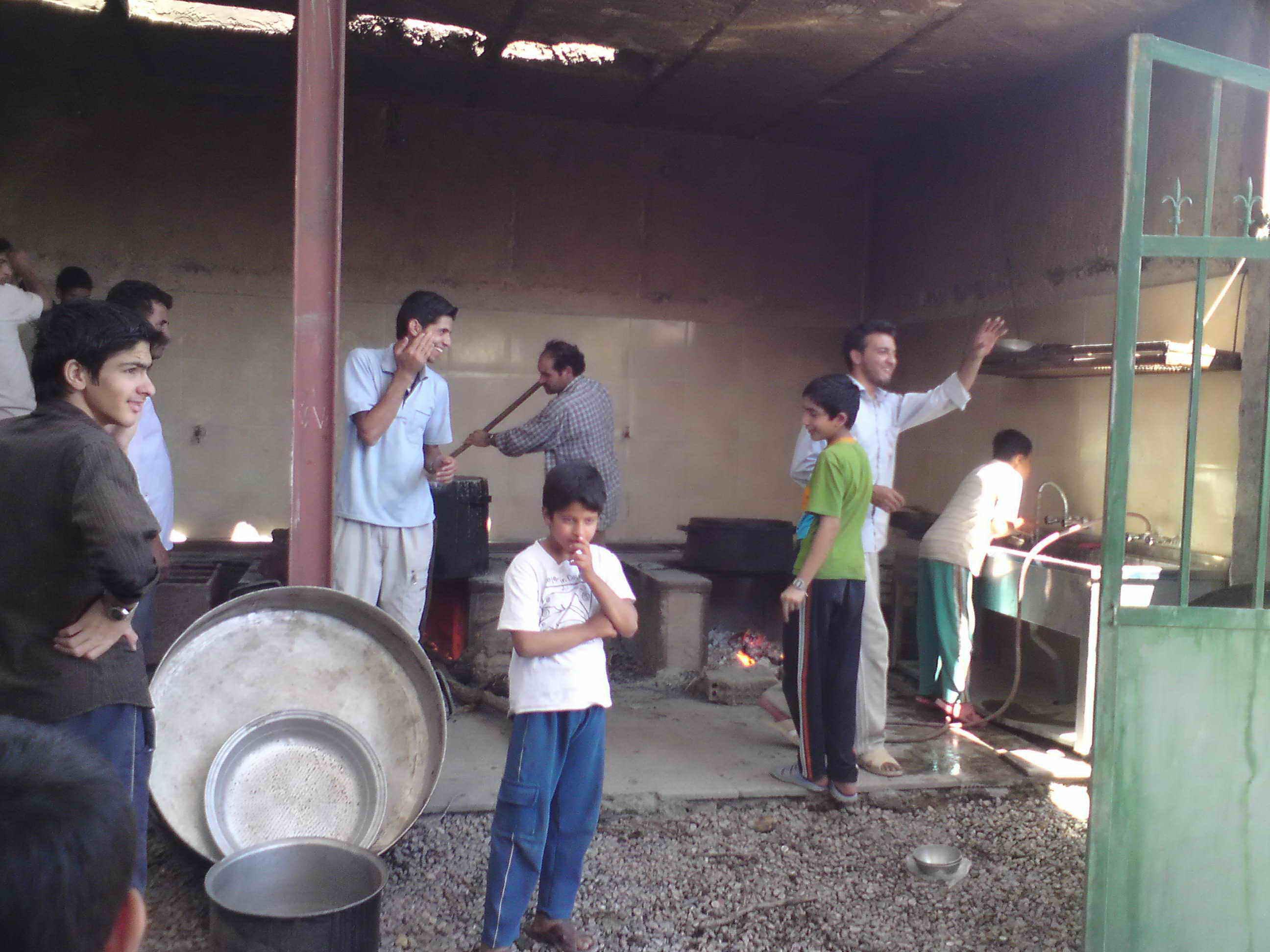 افطاری بچه های روستا